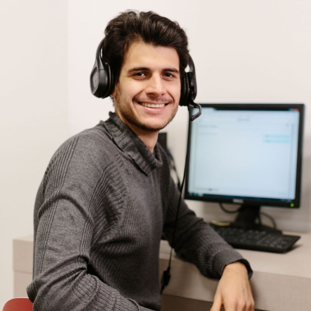 Ernesto loves studying online at Wall Street English